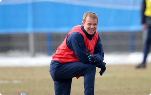 «Анжи» хочет стать базовым клубом сборной и ведет переговоры с Анюковым